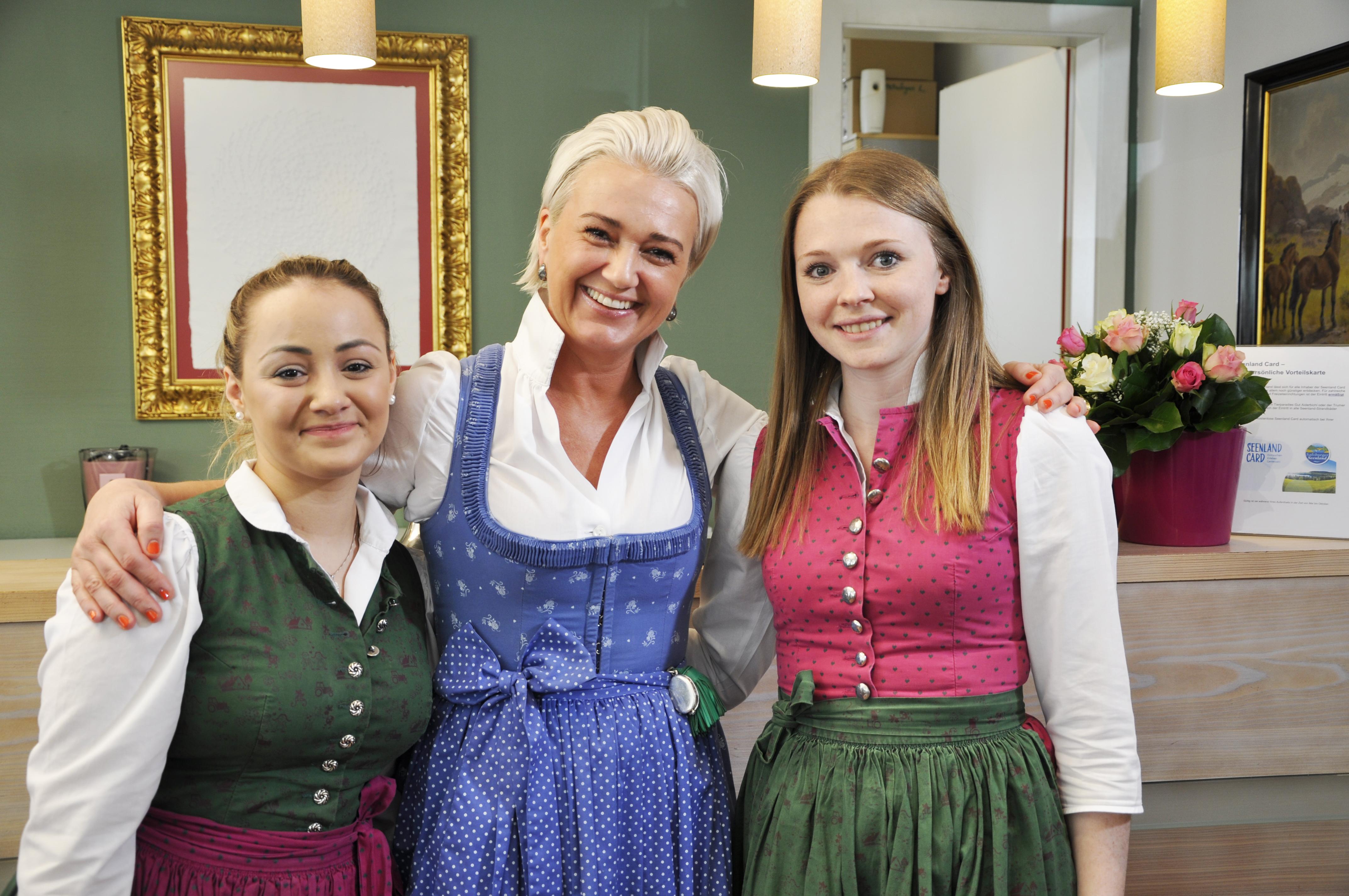 Michaela Hirnböck-Gmachl mit ihren Rezeptionistinnen
