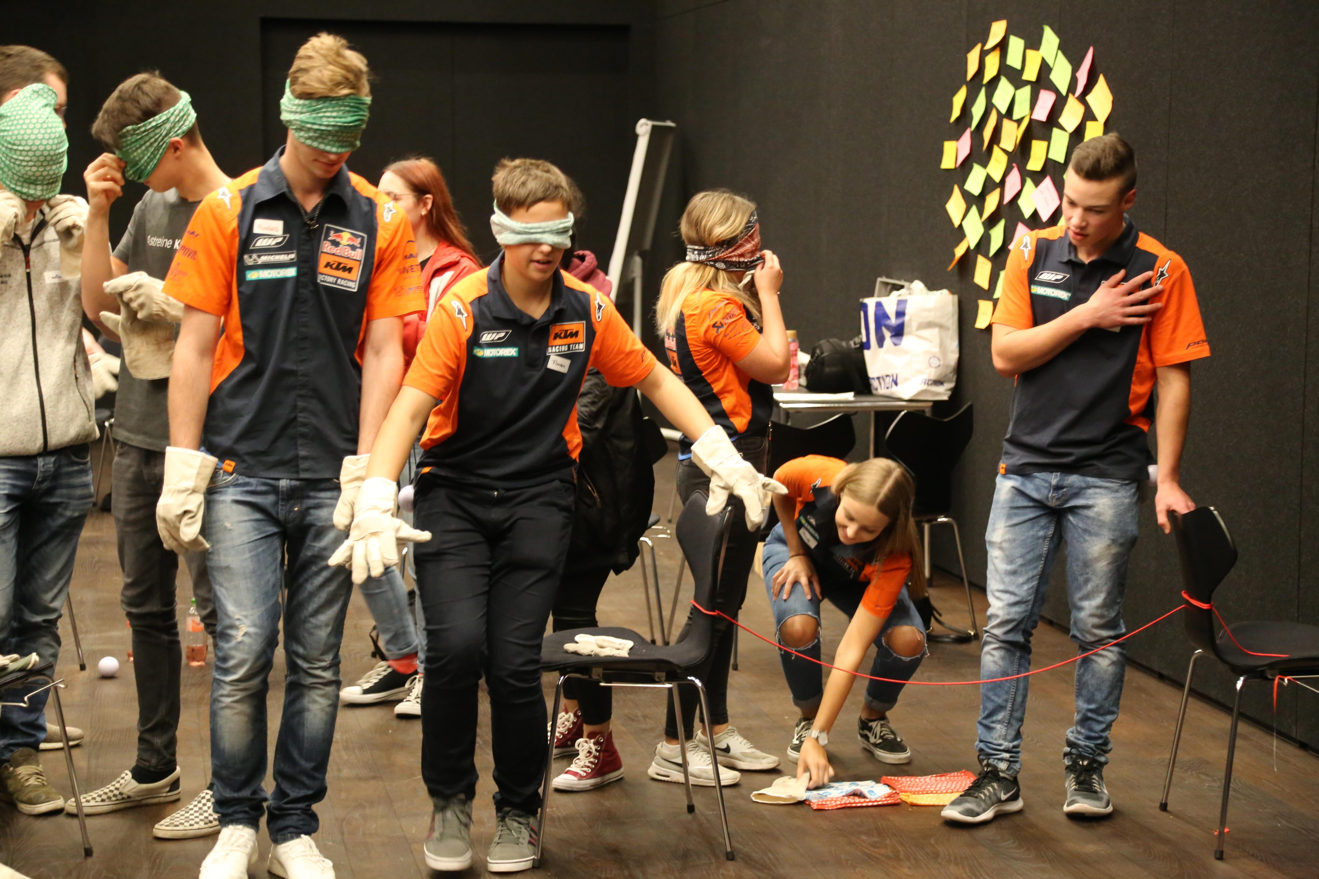 z.l.ö. - Lehrlingstag in der KTM Motohall in Mattighofen war voller Erfolg